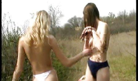 Cantik masturbasi di adegan sudut pandang pertama semibokepbarat