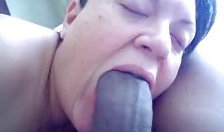 Pria memainkan dengan pacarnya dan Fucks dia. semi bokep cantik
